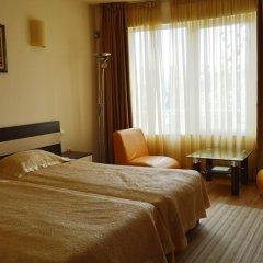 Hotel Avis комната для гостей