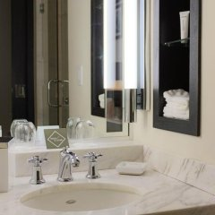 Отель Gale South Beach, Curio Collection by Hilton ванная фото 3