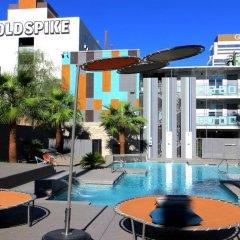 Отель Oasis at Gold Spike США, Лас-Вегас - отзывы, цены и фото номеров - забронировать отель Oasis at Gold Spike онлайн бассейн фото 3