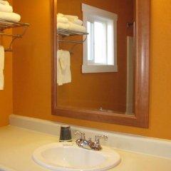 Отель Coast Inn and Spa Fort Bragg 2* Стандартный номер с различными типами кроватей фото 5