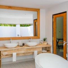Отель Kihaad Maldives 5* Вилла с различными типами кроватей фото 25