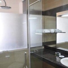 Отель Laya Beach ванная фото 2