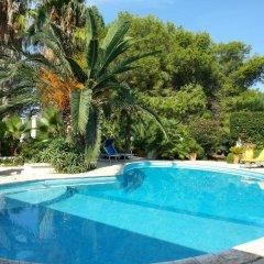 Отель B&B Le Amazzoni Лечче бассейн