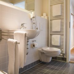 Отель Schoenhouse Apartments Германия, Берлин - отзывы, цены и фото номеров - забронировать отель Schoenhouse Apartments онлайн ванная