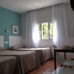 Отель Hostal Las Cumbres Испания, Кониль-де-ла-Фронтера - отзывы, цены и фото номеров - забронировать отель Hostal Las Cumbres онлайн комната для гостей