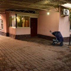 Отель Guest House Domashniy Uyut Кыргызстан, Бишкек - отзывы, цены и фото номеров - забронировать отель Guest House Domashniy Uyut онлайн парковка