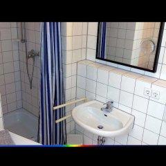 Отель FeWo II - VI Altstadt - Am grossen Garten Германия, Дрезден - отзывы, цены и фото номеров - забронировать отель FeWo II - VI Altstadt - Am grossen Garten онлайн ванная