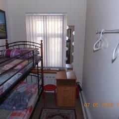 Гостиница Star House Osobnyak Номер с общей ванной комнатой с различными типами кроватей (общая ванная комната) фото 4