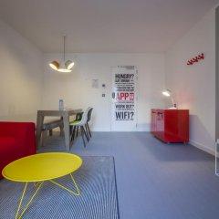 Отель Radisson RED Brussels 4* Стандартный номер с различными типами кроватей фото 12