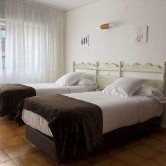 Отель Las Rocas de Isla Испания, Арнуэро - отзывы, цены и фото номеров - забронировать отель Las Rocas de Isla онлайн комната для гостей фото 4