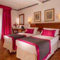 Отель Albergo Del Sole Al Biscione 3* Номер категории Эконом с различными типами кроватей фото 7