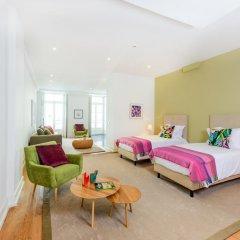 Отель Martinhal Lisbon Chiado Family Suites 5* Улучшенные апартаменты с различными типами кроватей фото 5
