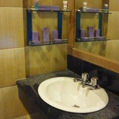 Kyi Tin Hotel 3* Улучшенный номер с 2 отдельными кроватями фото 4