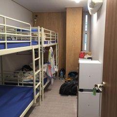 Отель Backpackers Inside Кровать в мужском общем номере с двухъярусной кроватью фото 5