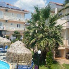 Potos Hotel бассейн