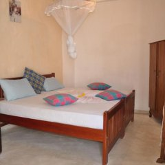 Отель Thenu Rest Guest House комната для гостей фото 2