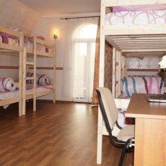 Хостел Амигос Кровать в общем номере с двухъярусными кроватями фото 7