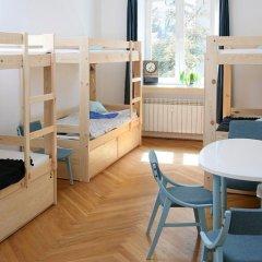 Fest Hostel Кровать в общем номере фото 12
