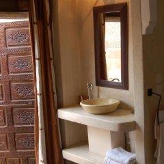 Отель Riad La Terrasse Des Oliviers ванная