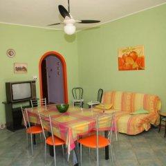 Отель Appartamenti Calliope e Silvia, Giardini Naxos Джардини Наксос питание