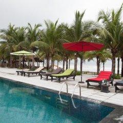 Отель Temple Da Nang бассейн