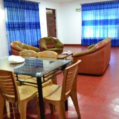 Отель Amro Guest and Restaurant в номере
