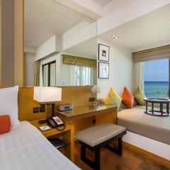 Отель Outrigger Laguna Phuket Beach Resort 5* Стандартный номер с двуспальной кроватью