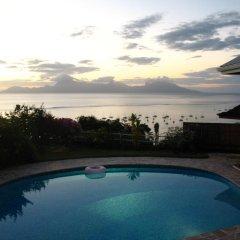 Отель Te Tavake by Tahiti Homes Французская Полинезия, Пунаауиа - отзывы, цены и фото номеров - забронировать отель Te Tavake by Tahiti Homes онлайн бассейн