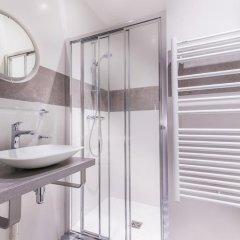 Отель Hôtel Jenner 3* Улучшенный номер с различными типами кроватей фото 3