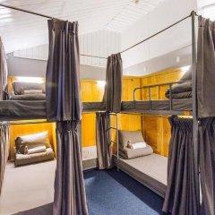 Отель Gold Night 2* Кровать в общем номере фото 13