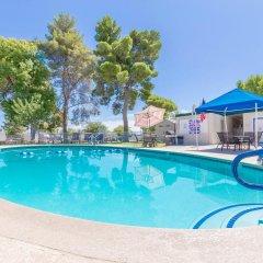 Отель Las Vegas Camping Resort Cabin 6 США, Лас-Вегас - отзывы, цены и фото номеров - забронировать отель Las Vegas Camping Resort Cabin 6 онлайн бассейн