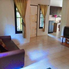 Отель Bangtao Local House Rental комната для гостей фото 2