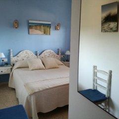 Отель Hostal Los Pinares Испания, Льорет-де-Мар - отзывы, цены и фото номеров - забронировать отель Hostal Los Pinares онлайн комната для гостей фото 2