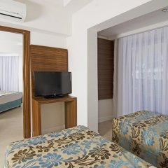 Отель Palm Wings Beach Resort & Spa Kusadasi- All Inclusive комната для гостей фото 2