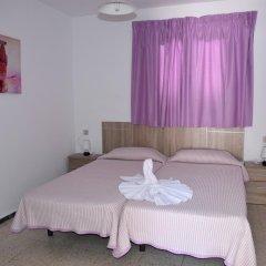 Отель Pensión Eva Стандартный номер с 2 отдельными кроватями (общая ванная комната) фото 12