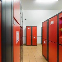 Отель a&o Berlin Mitte Германия, Берлин - 4 отзыва об отеле, цены и фото номеров - забронировать отель a&o Berlin Mitte онлайн интерьер отеля фото 3