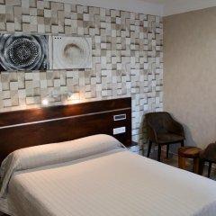 Hotel Des Pyrenees Париж комната для гостей фото 13
