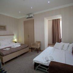 Отель Rustaveli Palace Стандартный семейный номер с двуспальной кроватью фото 29