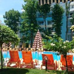Отель Yassen VIP Apartaments бассейн