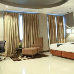 Отель FuramaXclusive Asoke, Bangkok 4* Номер категории Премиум с различными типами кроватей фото 17