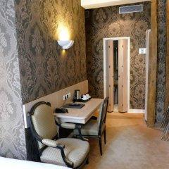 Odéon Hotel 3* Улучшенный номер с различными типами кроватей фото 15