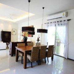 Отель Two Villas Holiday Oriental Style Layan Beach Таиланд, пляж Банг-Тао - отзывы, цены и фото номеров - забронировать отель Two Villas Holiday Oriental Style Layan Beach онлайн питание фото 2