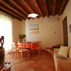 Отель Agriturismo La Filanda Манерба-дель-Гарда в номере фото 5