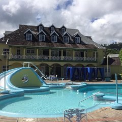 Отель SandCastles Deluxe Beach Resort бассейн фото 2