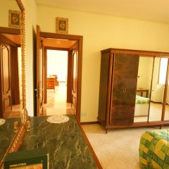 Отель Loggia Innocenti Италия, Вербания - отзывы, цены и фото номеров - забронировать отель Loggia Innocenti онлайн комната для гостей фото 5