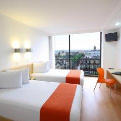 Отель One Guadalajara Centro Historico 3* Улучшенный номер с различными типами кроватей фото 2