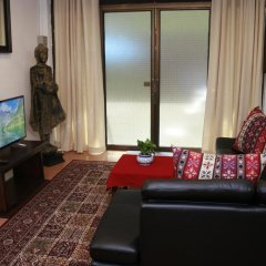Отель Miggy Guest House Adults Only Бангкок комната для гостей фото 2