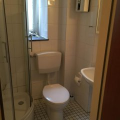 Отель Südstadt-appartement Köln Кёльн ванная фото 2