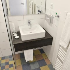 Отель Uhu Gastehaus Кёльн ванная