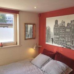 Отель Houseboat Westerdok Нидерланды, Амстердам - отзывы, цены и фото номеров - забронировать отель Houseboat Westerdok онлайн комната для гостей фото 3